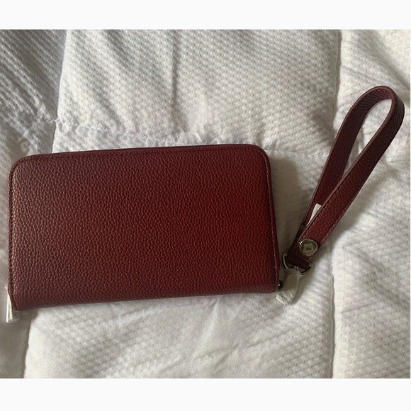 Thirty-One Gifts Merlot Wristlet